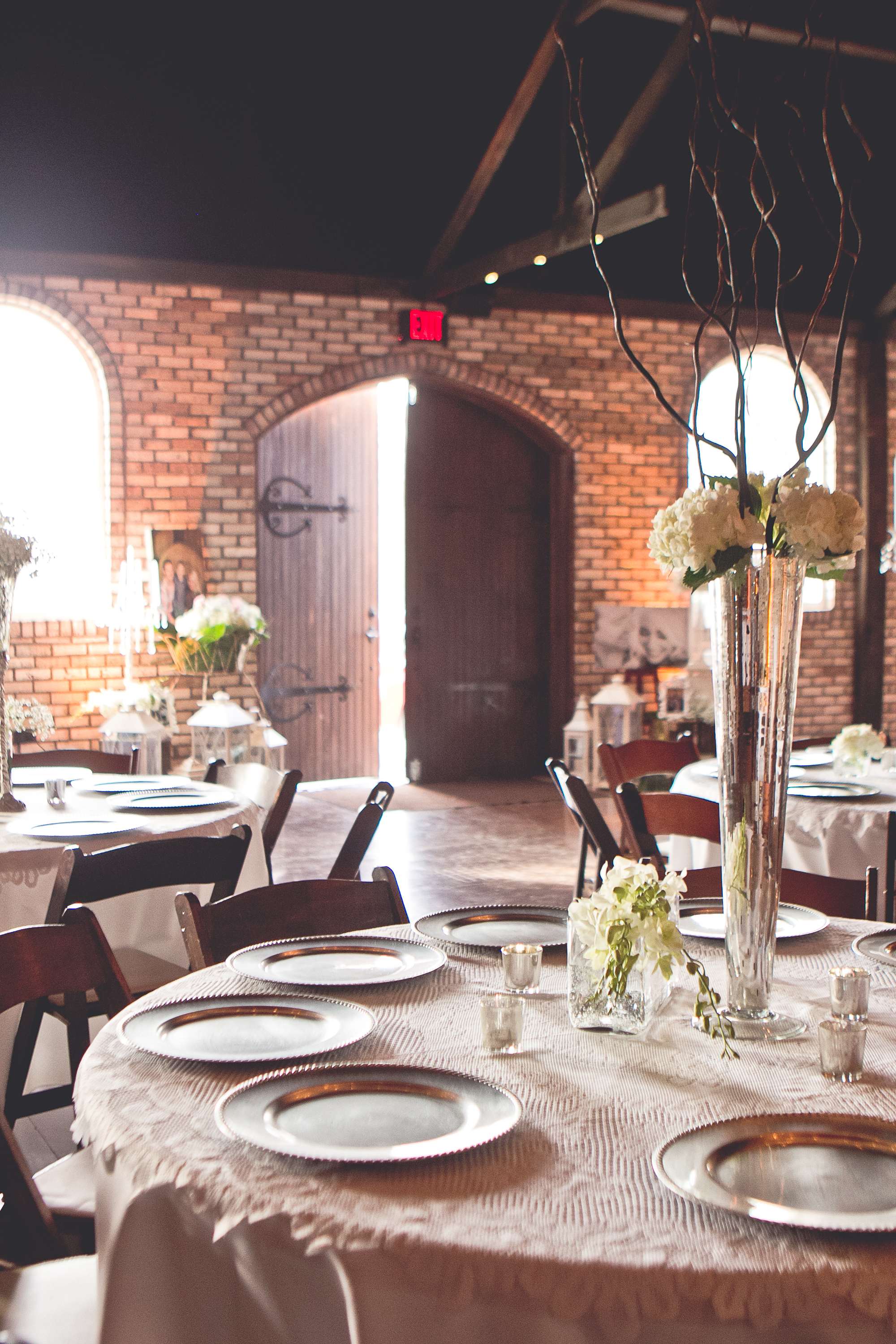 Indoor and Outdoor Wedding Venue, The belle Hollow