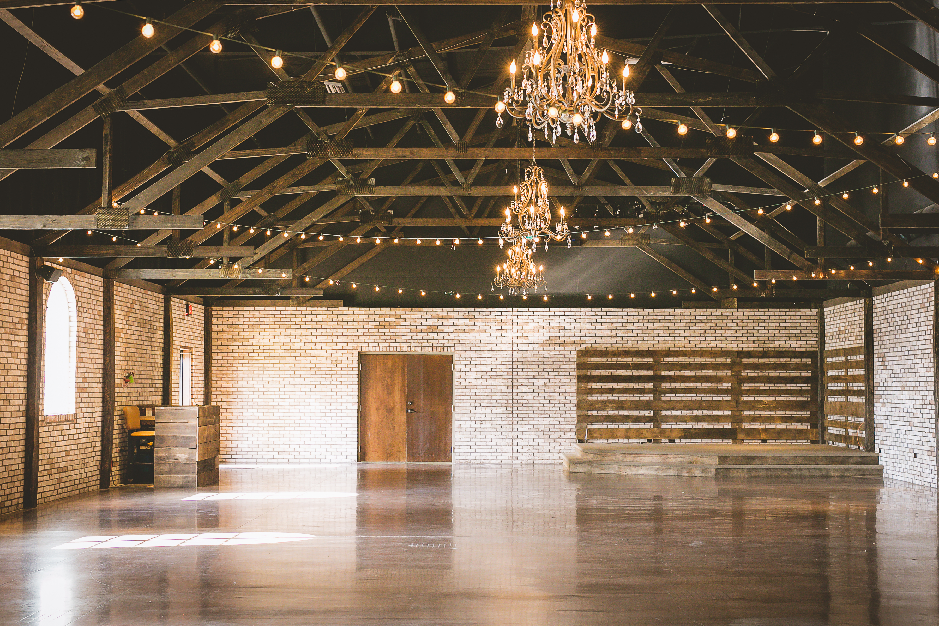 Event venue and wedding space in clarksville tn, The belle Hollow